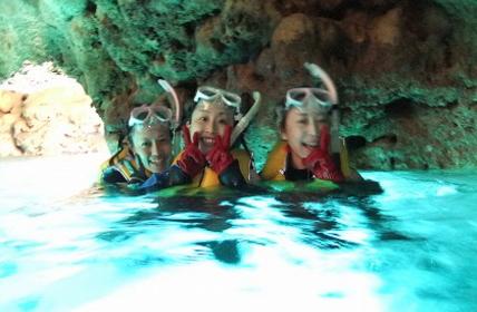 ダイビングでの青の洞窟写真